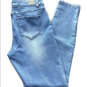 Miss Poured in Blue soft medium wash skinny Jean